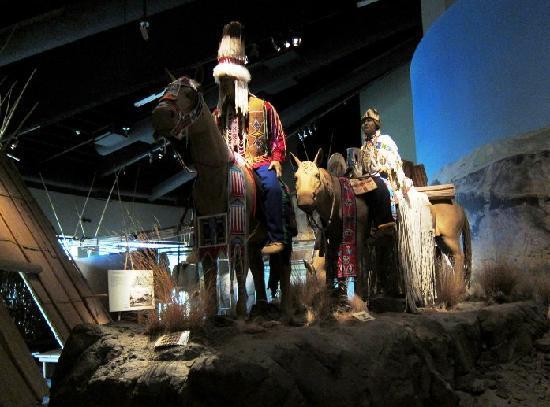 Tamastslikt Cultural Institute: Indoor display