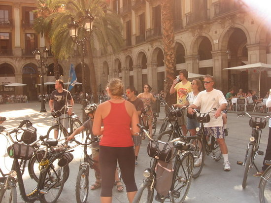 Barcelona CicloTour : a stop during the tour