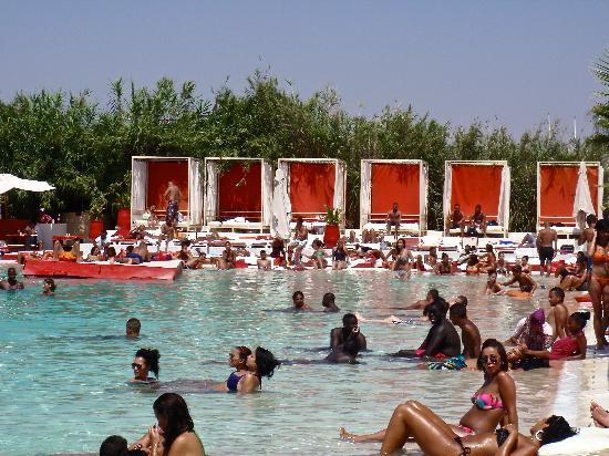 La plage rouge restaurant marrakech restaurant avis for Club piscine prix