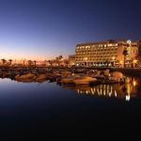 Hotel Eva: en face du port