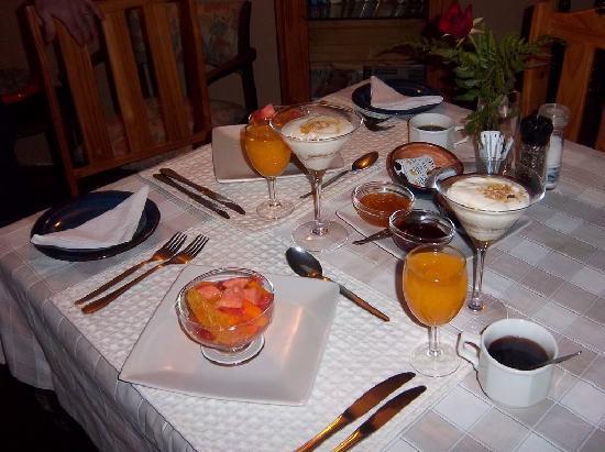 Cheetah Lodge: Breakfast layout