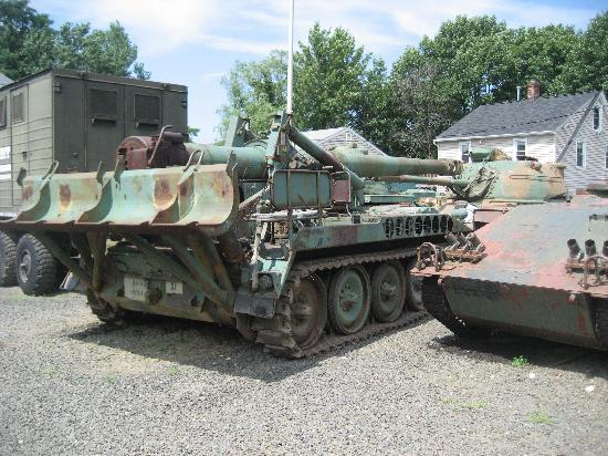 Military Museum of Southern New England : Outdoor
