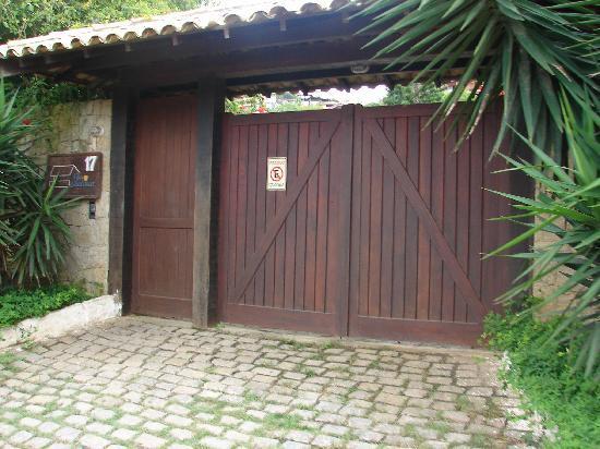 Vila Shalimar: puerta posada