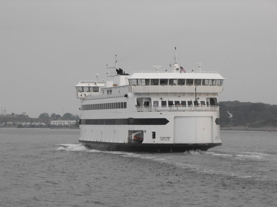 The Steamship Authority - Martha's Vineyard: More tradtional steamer