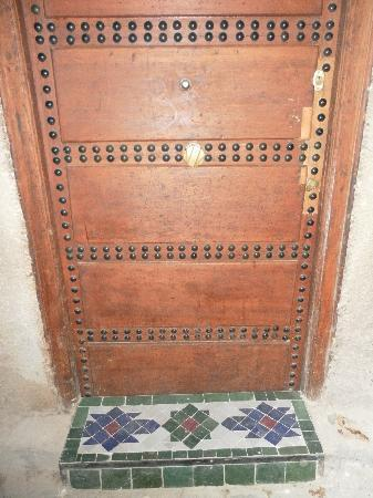 Dar Warda: A picture of the front door - it didn't have a name so I took a photo so I could recognise it.