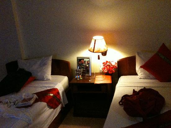 Angkor Voyage Villa: twin bed room