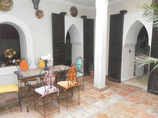Riad Jakoura : The main section of the Riad and where breakfast is eaten.