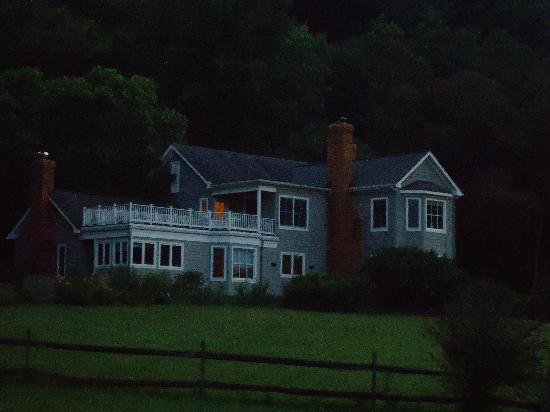 The Inn at Sugar Hollow Farm: Sunset view