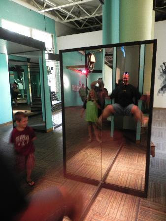 Mid-America Science Museum: Anti-gravity mirror