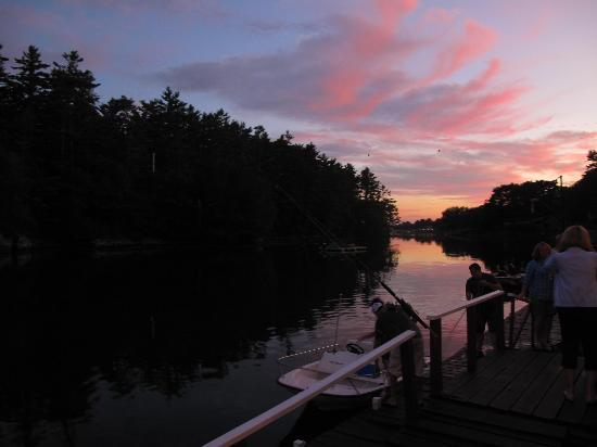 Chauncey Creek Lobster Pier: great sunset, tons of mosquitoes
