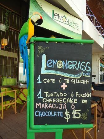 Lemon Grass Cafe-Bar: Cataratas