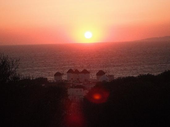 Nazos Hotel: sunset from outside the hotel Nazos