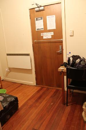 KIWI basecamp: Double room - Room #2