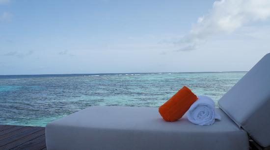 Jumeirah Dhevanafushi: Arrival Jetty