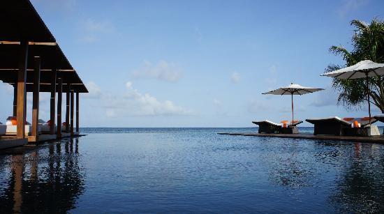 Jumeirah Dhevanafushi: pool