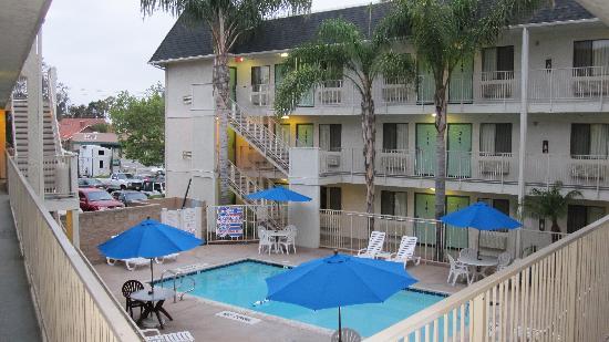 Motel 6 Buena Park Knotts Berry Farm Disneyland: piscine