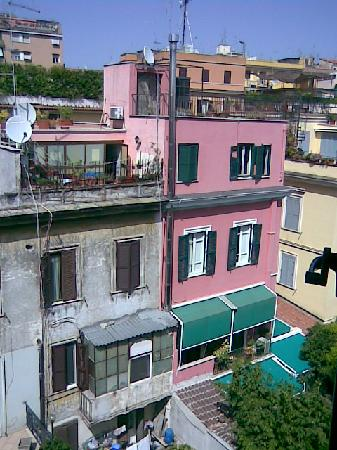 Hotel Best Roma: back yard