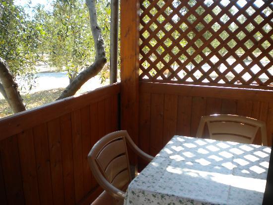 Residence Club Santa Maria: veranda monolocale