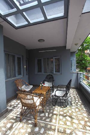The Hub, Lazimpat: Balcony with good view