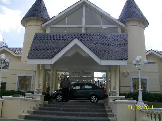Parque Hotel Jean Clevers: La entrada principal