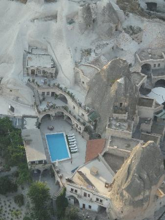 Local Cave House: the hotel from the baloon