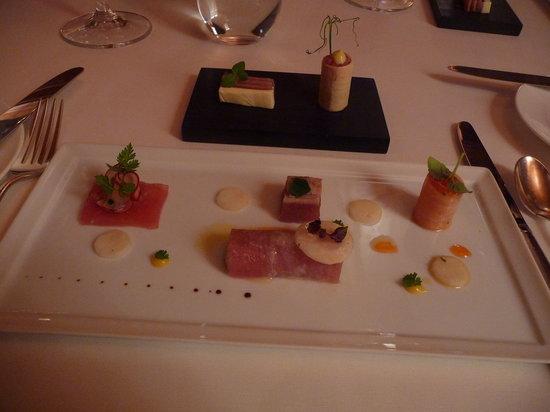 Schauenstein Schloss Hotel restaurant: Une nano cuisine, faite de bouchées juxtaposées