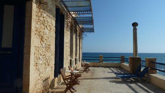 Delfini Hotel: Side veranda