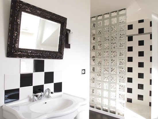 Villa Ventcouvert: Chambre Esprit Club salle de douche