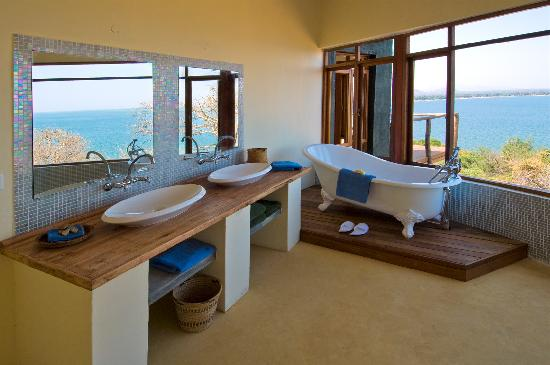 Lake Malawi National Park, Malawi: All rooms in villa have amazing views of Lake Malawi