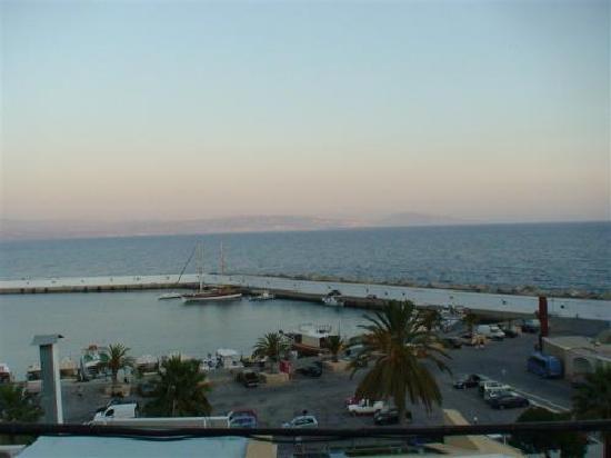 Hotel Areti: port Agia Galine