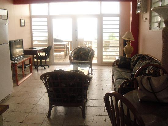 Villa Tropical Oceanfront Apartments on Shacks Beach: Top Left condo