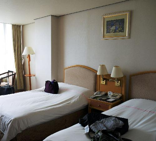 New Crown Hotel: Bed