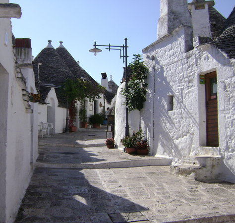 Experience Puglia Day Tour : The colors of Puglia: