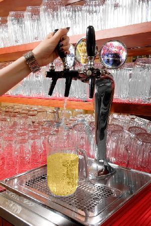 Hotel Olympic : Acqua e vino ai pasti inclusi nei prezzi