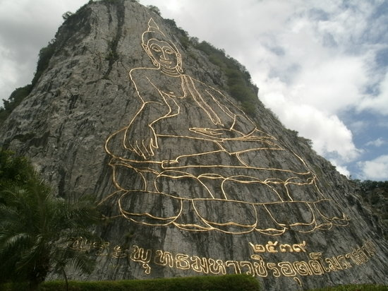 Sattahip, Thailand: Buddha mountain