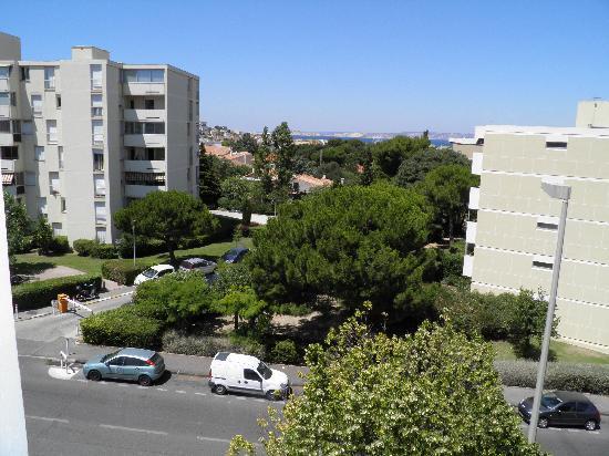 Ibis Marseille Bonneveine Route des Calanques : Vue générale depuis 4 ème