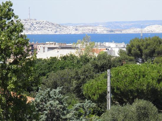 """Ibis Marseille Bonneveine Route des Calanques : Vue """"zoomée"""" depuis 4 ème"""