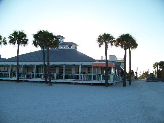 Palm Pavilion Inn: view of Grill from beach