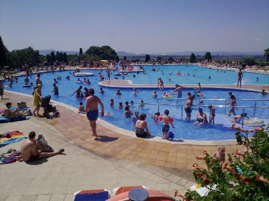 Camping Castell Montgri : Large panorama pool