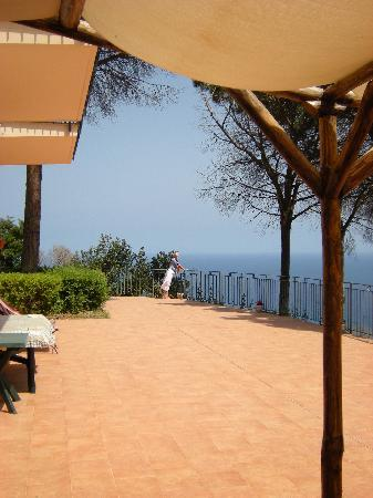 Alba Tra I Pini B&B: the terrace