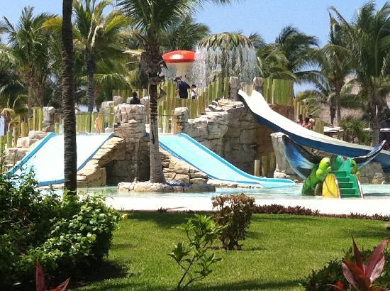 Barcelo Maya Tropical : Too cool 2 be just for kids