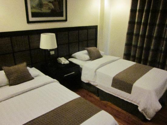 The Sugarland Hotel: The beds