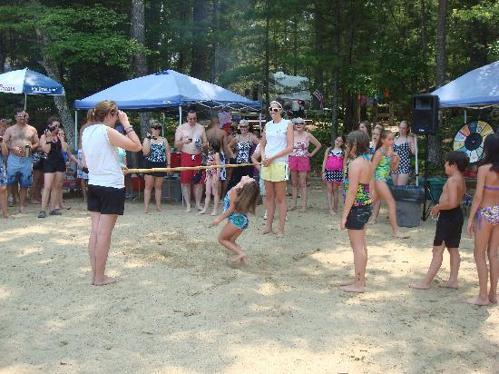 Papoose Pond Family Campground & Cabins: limbo contest