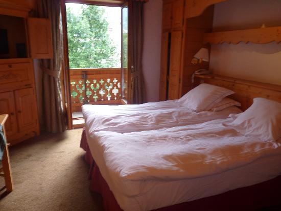 Hotel L'Oustalet: chambre vue mont blanc