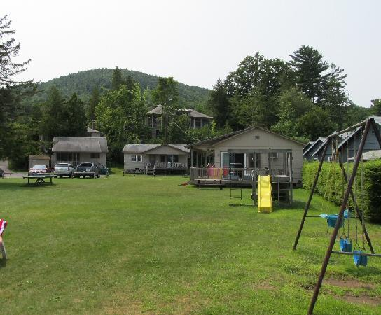 Mt. Knoll Beach Cottages: View of the cabins