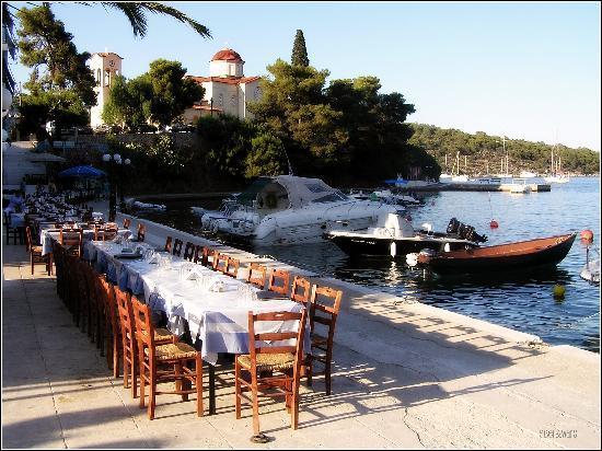 Poseidon Hotel: our table at restaurant Posidon