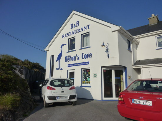 Goleen, ไอร์แลนด์: Approaching the restaurant