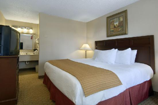 Baymont Inn & Suites Mobile/ I-65: baymont inn & suites 6