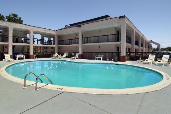 莫比爾/65 號州際公路貝蒙特旅館及套房飯店照片