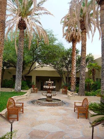 Miraval Arizona Resort & Spa: The temporary spa village - pretty ok!